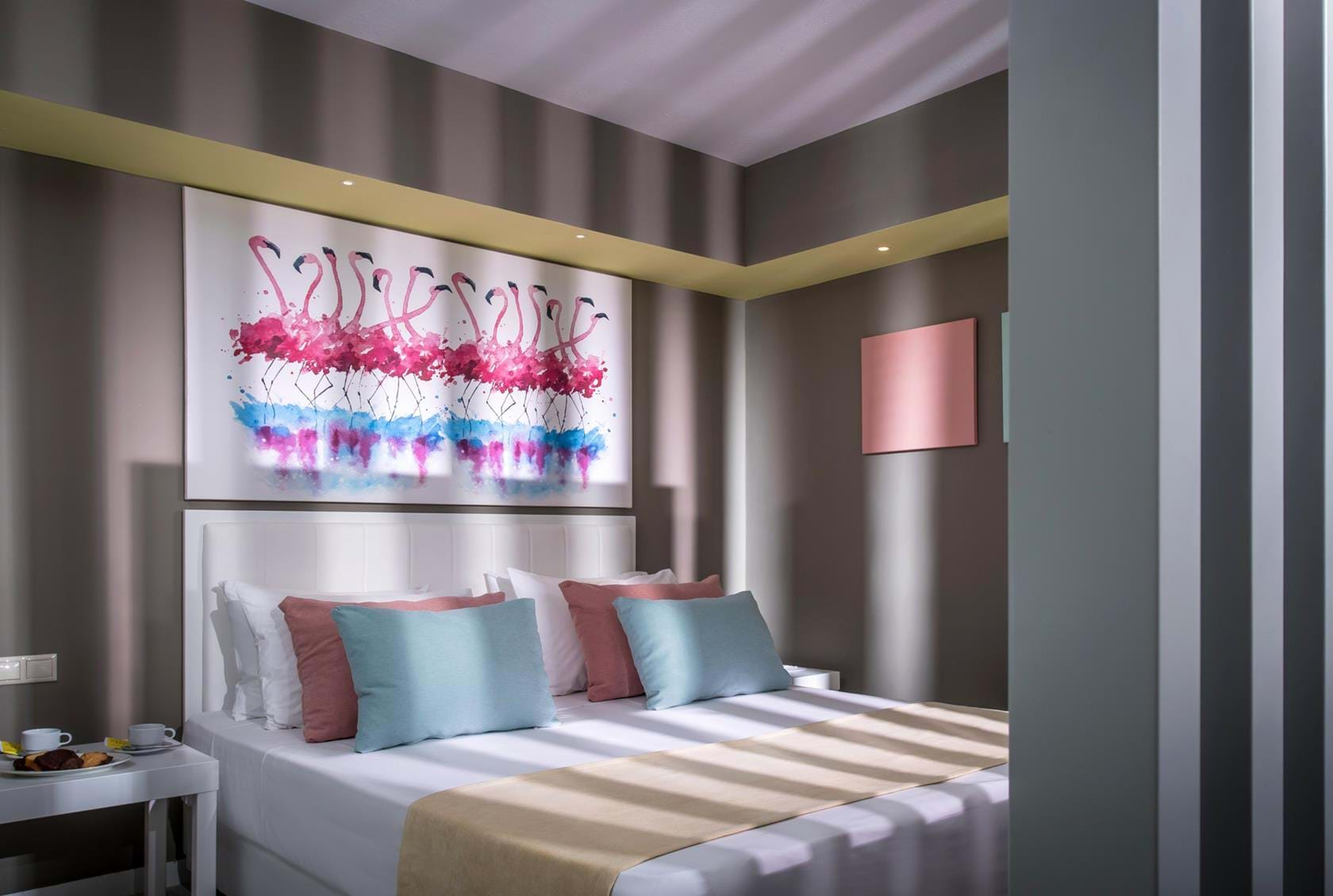 FLAMINGO ROOM